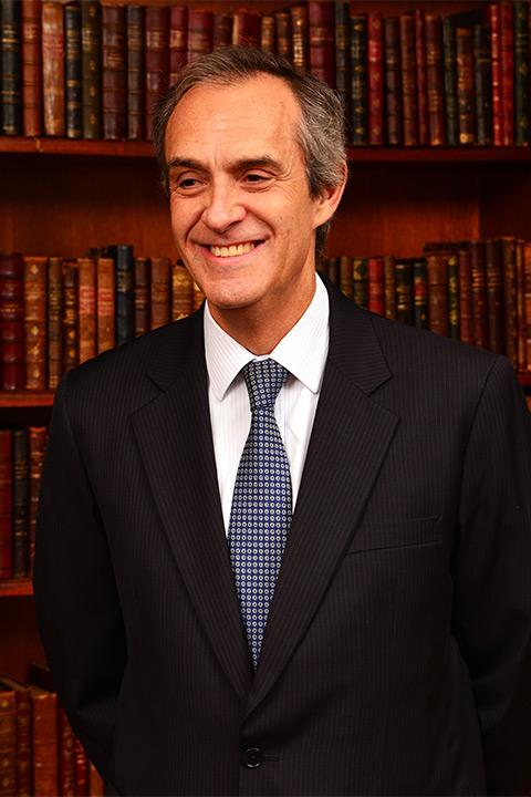 Luis-Felipe-Gacitua-A-Presidente--Ingeniero-Comercial