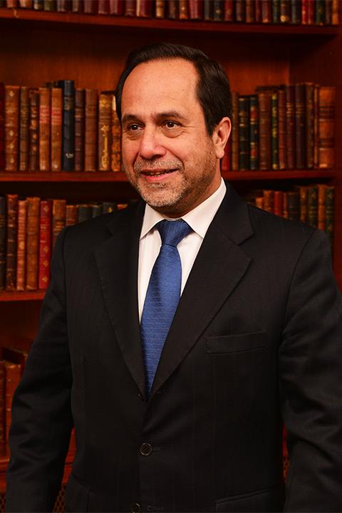 Ramiro-Mendoza-Z-Abogado